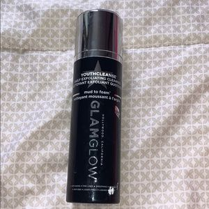 Glam Glow YouthCleanse